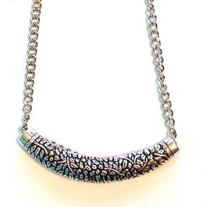 Sliding Pendant Statement Necklace Silver tone NWT